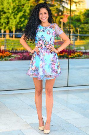 Цветна къса лятна рокля