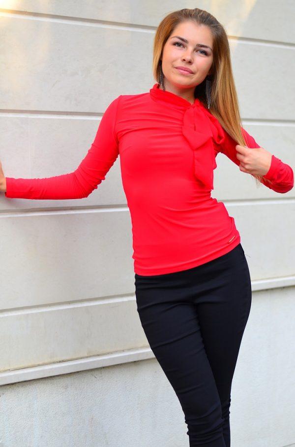 Елегантна дамска блуза в червен цвят