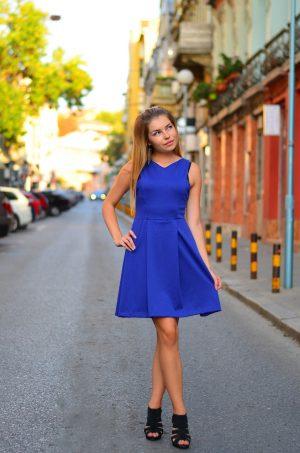 Стилна синя рокля