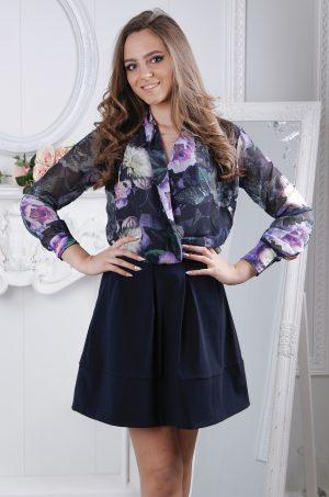 Стилна, елегантна блуза с дълъг ръкав на цветя. Свободен модел блузка