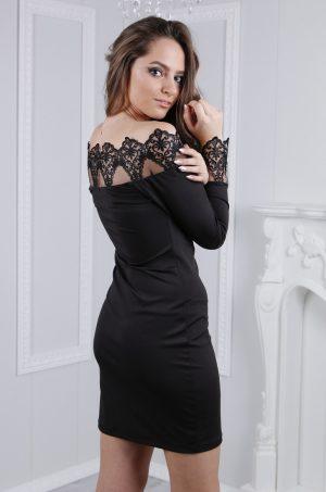 черна къса рокля с дантела