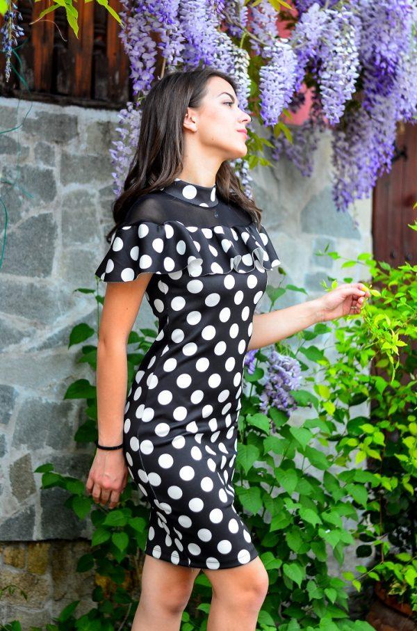 рокля на точки