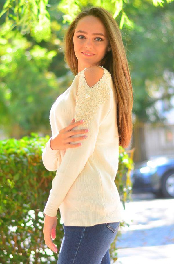 Кашмирна блуза с дълъг ръкав в светло бежов цвят