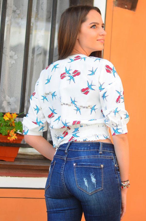 Къса дамска блуза с колан от плат