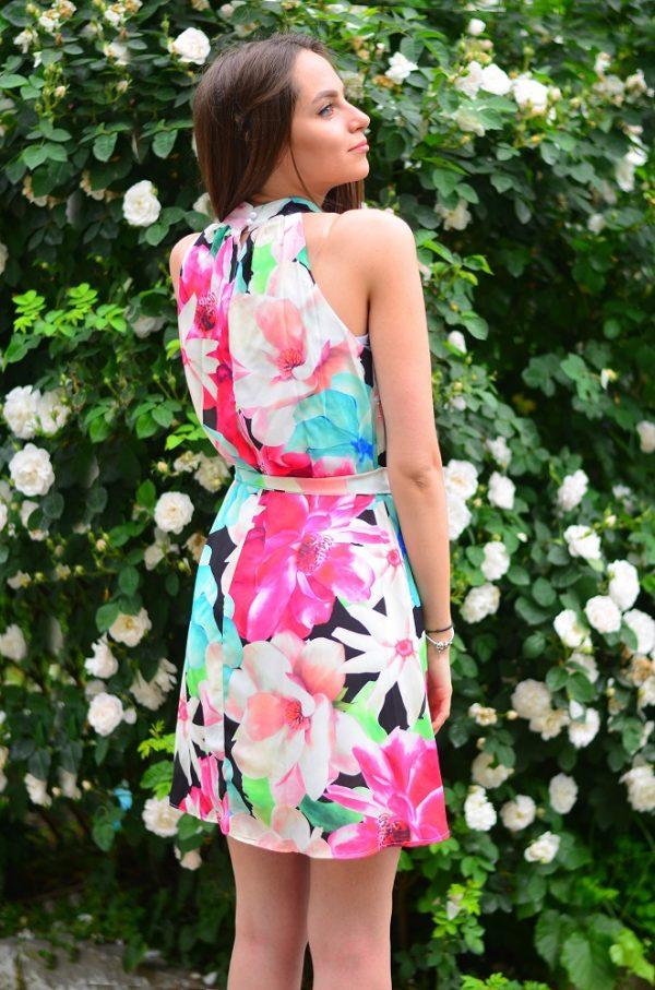 Цветна лятна рокля