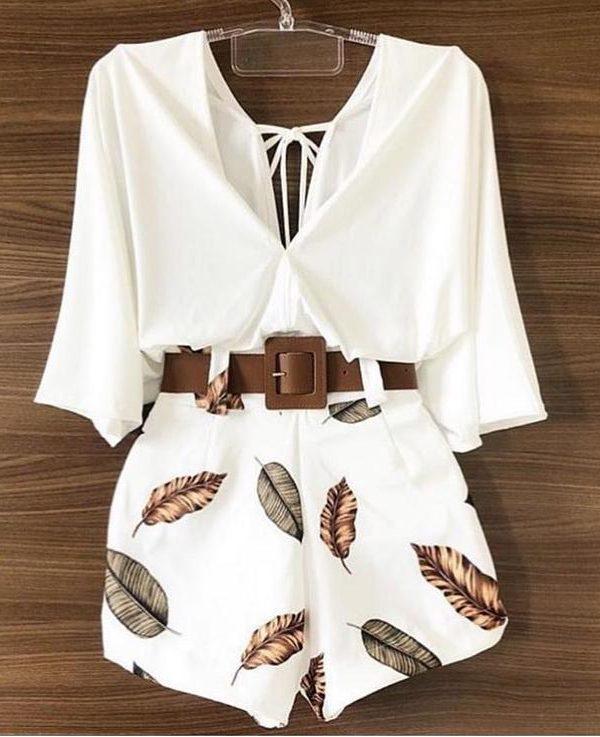 Комплект къси панталонки блузка и колан