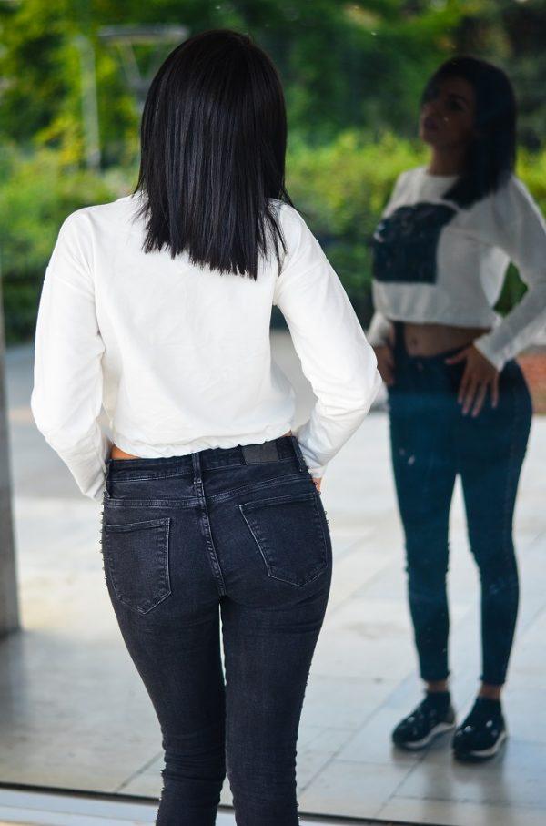 Дамска къса блуза с пайети