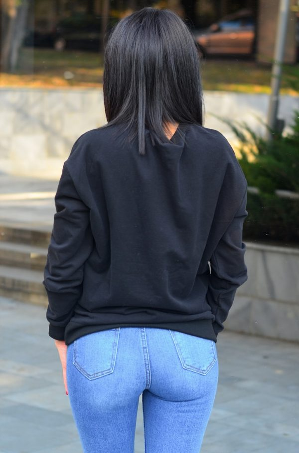 Черна дамска блуза с дълъг ръкав