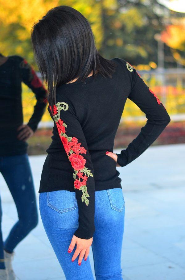 Черна кашмирена блуза с дълъг ръкав