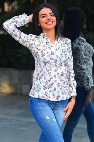 Дамска риза с дълъг ръкав на пеперуди