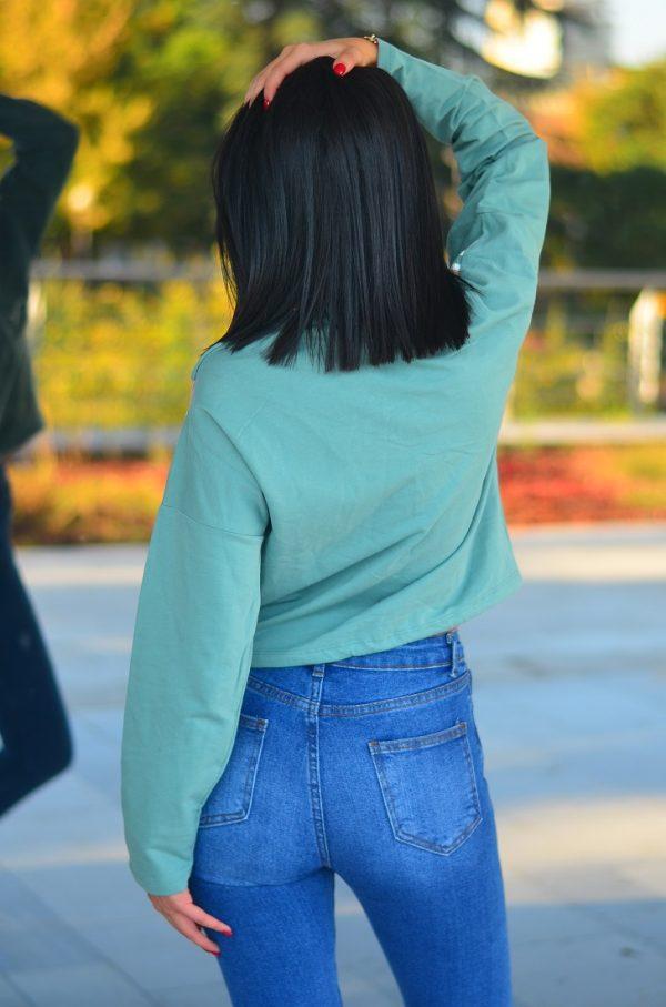 Къса дамска блуза с връзки